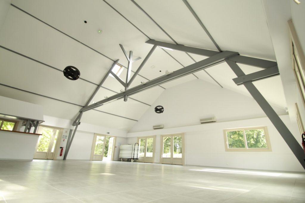 La Salle A du Clos de Soucelles, d'une capacité de 131 places sera parfaite pour accueillir vos réceptions